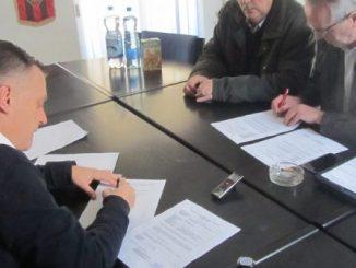 Potpisivanje ugovora o kupovini stadiona