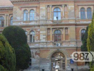 Sombor-Orunulo-Fasada-atrijuma-Skupstine-grada-