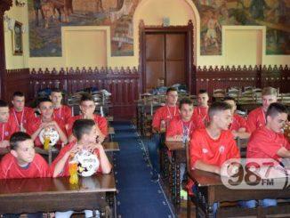 Fudbaleri-mladosti-na-prijemu-kod-predsednika-turnir-u-austriji-